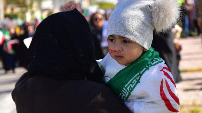 گوشهای از حضور باشکوه مردم بندرماهشهر در مراسم راهپیمایی ۲۲
